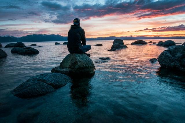 Meditasi untuk mengendalikan emosi