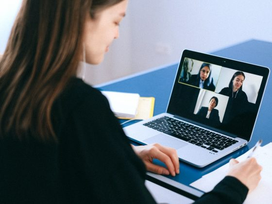 komunikasi dengan rekan kerja