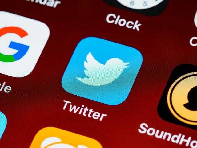 twitter sebagai tempat curhat online